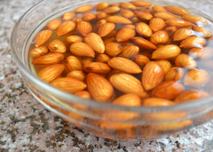 Health Benefits of Soaking Almonds