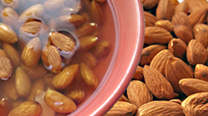 why and how to soak almonds_soaking almonds