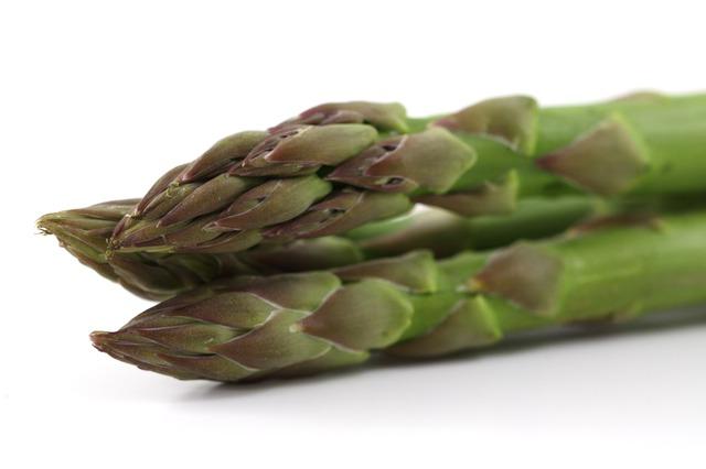 Whole Foods that Improve Eczema_Asparagus