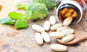 Natural Pain Relief: Nutrition_vitamin supplements with broccoli