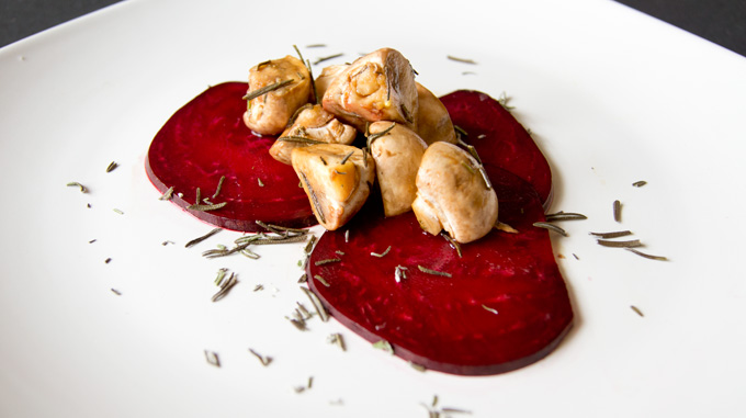 6 Immunity-Boosting Vegetables that Help Ease the Cold Weather Blues_Mushroom and beets dish