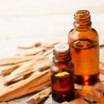 Top 10 Dry Skin Oils_sandalwood essential oil
