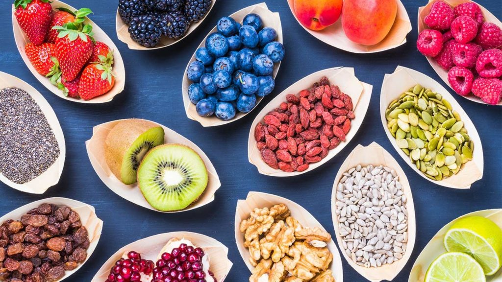 5 Nutrients that Slow the Progression of Macular Degeneration_AMD slowing foods
