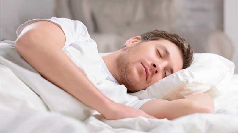 Get Better Sleep by Eating and Drinking These Delicious Treats_man-sleeping