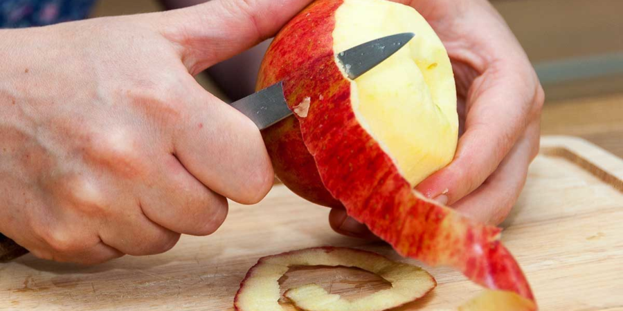 Dont Peel that Apple_peeling an apple