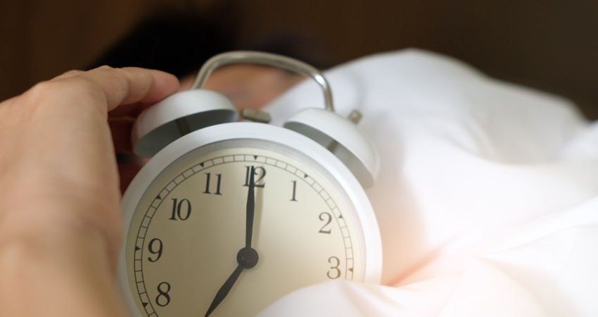 Naturally Living Longer with Sleep_adult-alarm-alarm-clock