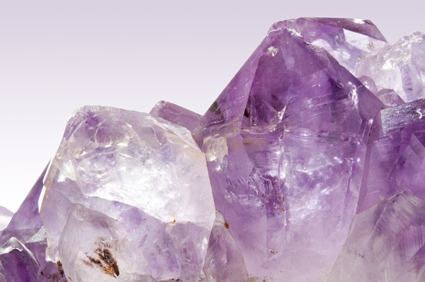 The Health and Wellness Benefits of Amethyst Crystals_amethyst crystals